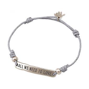 Vrouwen - armband - gegraveerde - ALL WE NEED IS LOVE - zilver - licht grijs