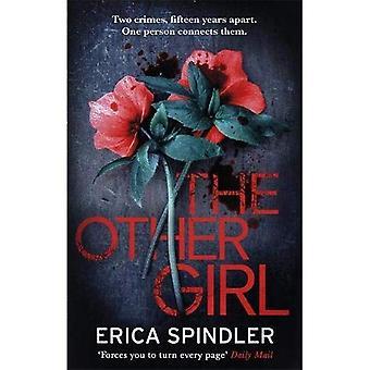 Het andere meisje: Twee misdaden, vijftien jaar uit elkaar. Een persoon met elkaar worden verbonden.