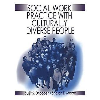 Pratica di lavoro sociale con persone culturalmente Diverse da Dhooper & zio Surjit Singh
