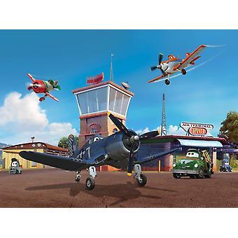 Muurschilderingen van de grote Disney Planes versieren