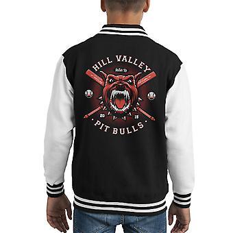 De stieren van de kuil van Hill Valley terug naar de toekomstige Kid's Varsity Jacket
