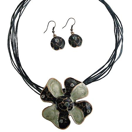 SunFlower Pendnat Necklace Set Black Grey Pearl w/ Self designed Jewelry Set