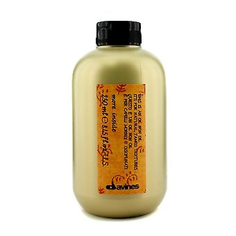 Davines More Inside This Is An Oil Non Oil (For Natural, Tamed Textures) 250ml/8.45oz