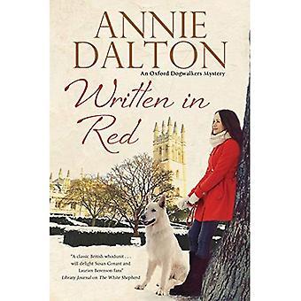 Scritto in rosso: un mistero di cane impostato a Oxford (un mistero di Anna Hopkins)