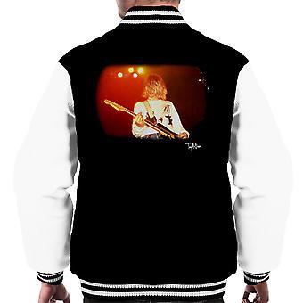Kurt Cobain spille Live gitar menn Varsity jakke