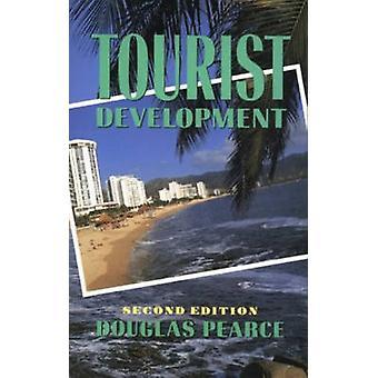 Développement touristique par Pearce & Douglas