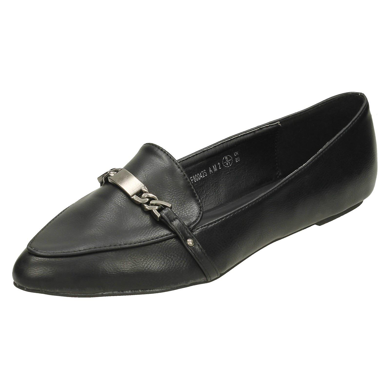 Ladies Spot On Smart Casual Chain Trim Flat Shoe