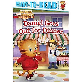 Daniel sale a cenar (de Daniel tigre barrio)