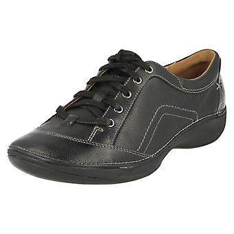 Ladies Clarks Lace Up Flat Shoes Fairlie Spring