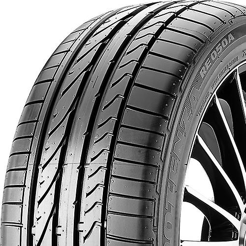 Pneus été Bridgestone Potenza RE 050 A ( 245 45 R17 95Y AO )