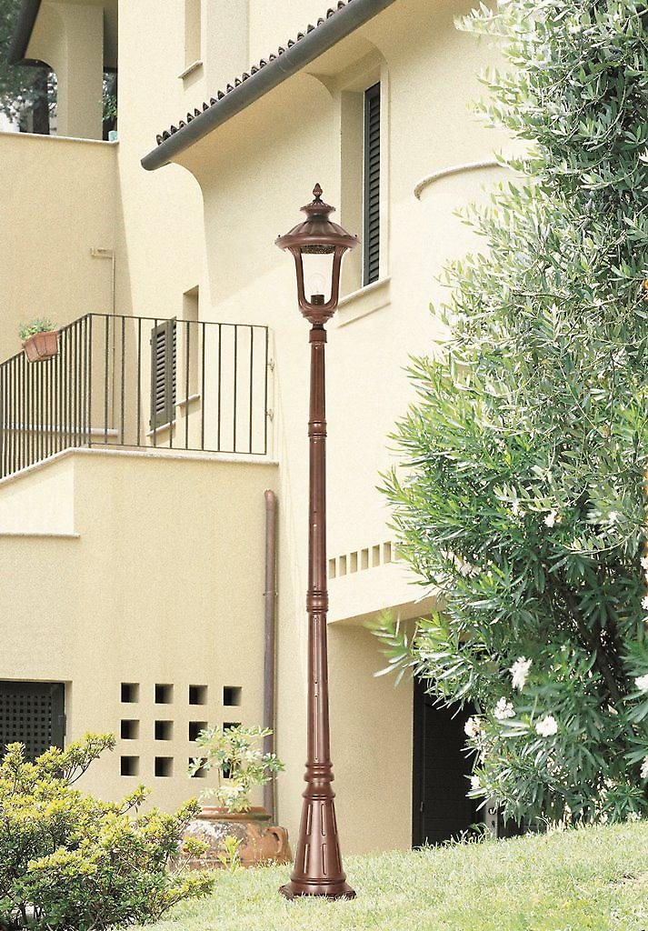 Elstead CC5/M Chicago Traditional Outdoor Lamp Post with Textured Glass