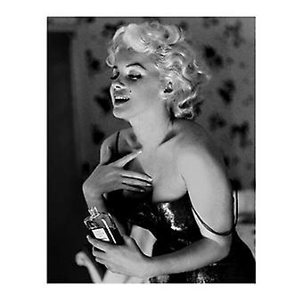Marilyn Monroe - Chanel No 5 Poster Print by Ed Feingersh (16 x 20)