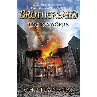 The Invaders by John Flanagan - 9780142426630 Book