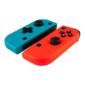 Punainen ja sininen Nintendo kytkin ohjaimet