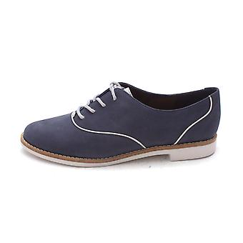 Cole Haan Womens Avrilsam Closed Toe Oxfords