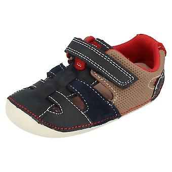 Boys Clarks Tiny Artie Leather First Shoe PreWalkers