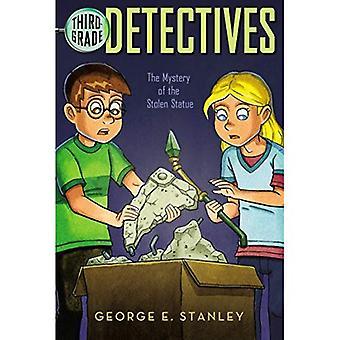 El misterio de la estatua robada (Detectives de tercer grado)