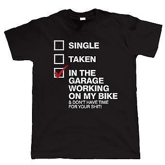 In de Garage werken op mijn fiets, Mens Tshirt
