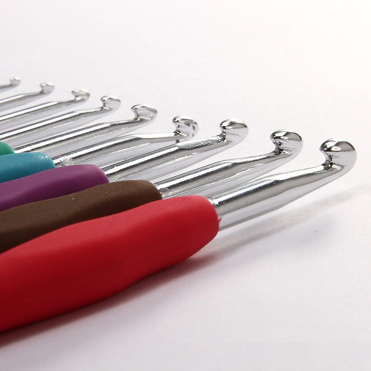 Set of 9 High Quality Aluminium Crochet Hooks Needles with Colourful Soft Rubber Grip Handles - in Sizes 2mm 2.5mm 3mm 3.5mm 4mm 4.5mm 5mm 5.5m