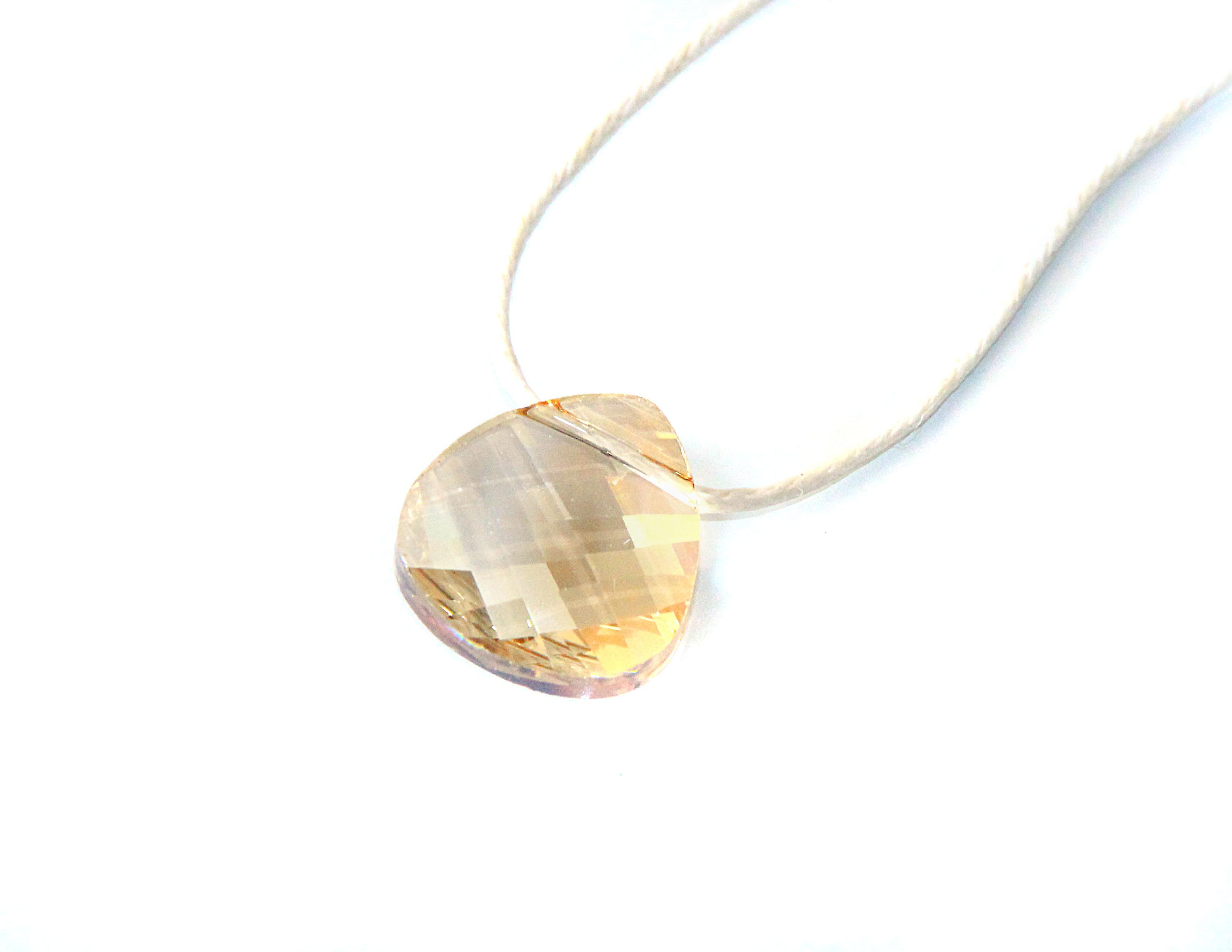 Waooh - Bijoux - Swarovski / Pendentif pétale ambré jaune et cordon ciré - Ecru