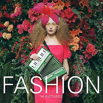 Fashion - A Century of British Couture in Pictures by Ammonite Press -