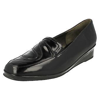Ladies Van Dal Smart Low Wedge Shoes Palo