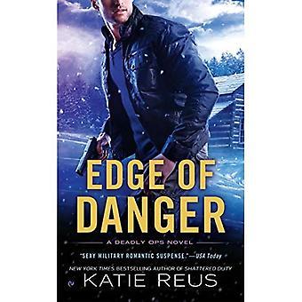 Bord du Danger: un roman mortel Ops