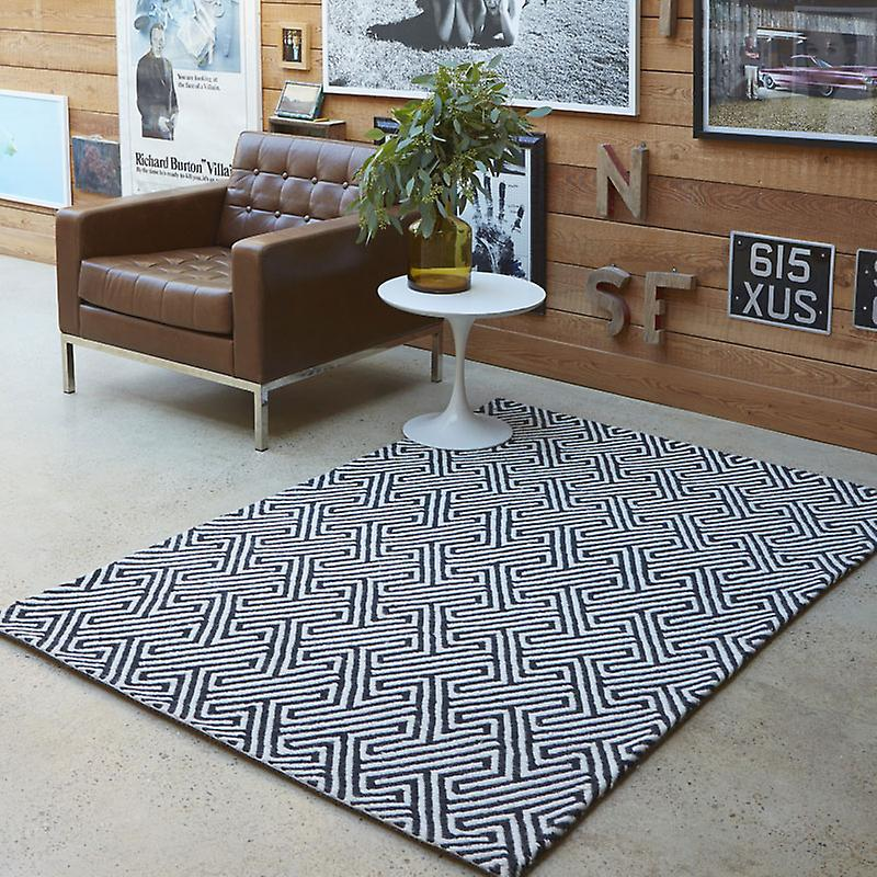 Rugs - Maisey In White & Black