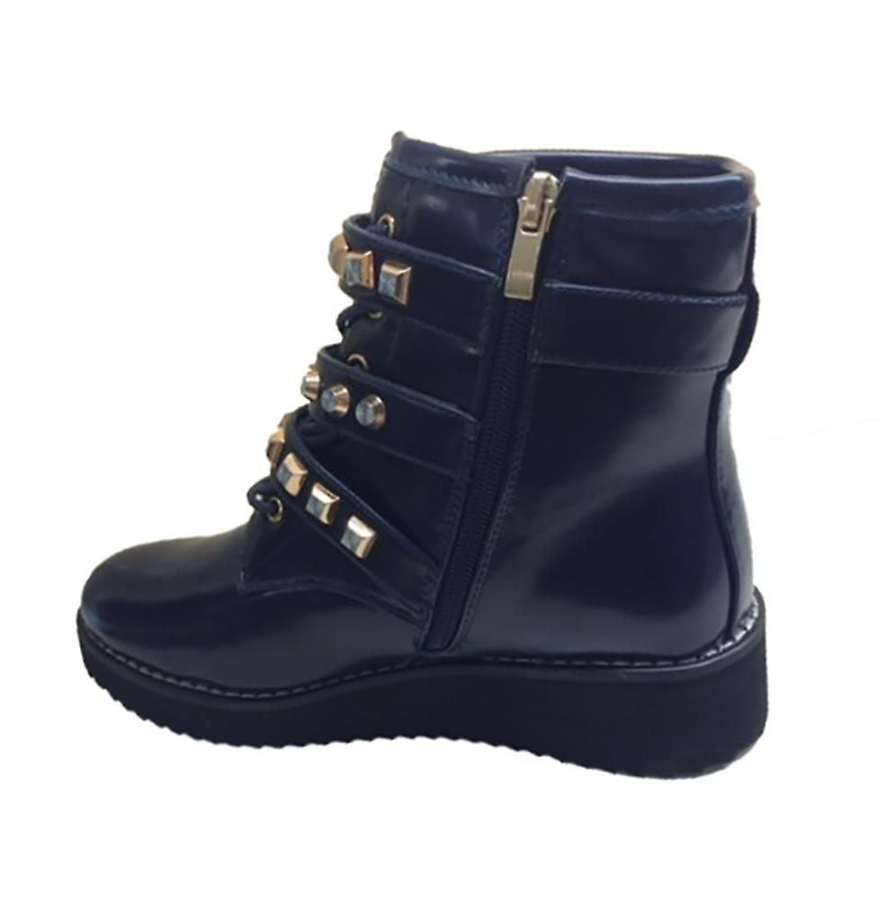 Waooh - offset boot straps and golden studs Galise