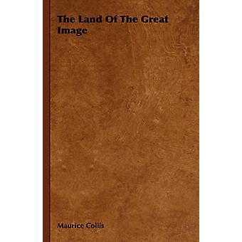 La terre de la grande statue de Collis & Maurice