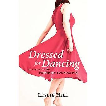 Gekleed voor het dansen van mijn verblijf in de Findhorn Foundation door Hill & Leslie Anne