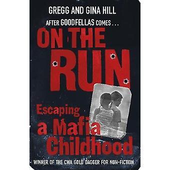 På flugt af Gina Hall - 9781784759490 bog