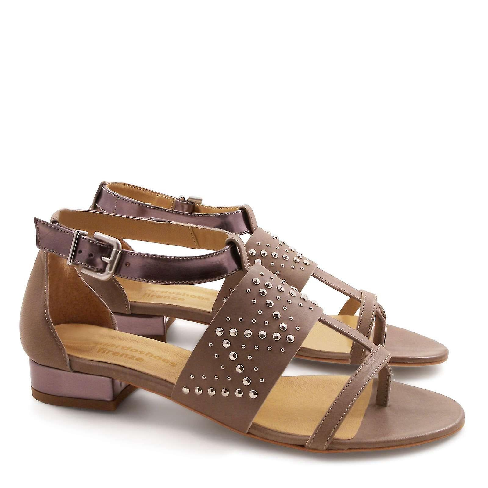 Strappy low heels sandals in mink leather