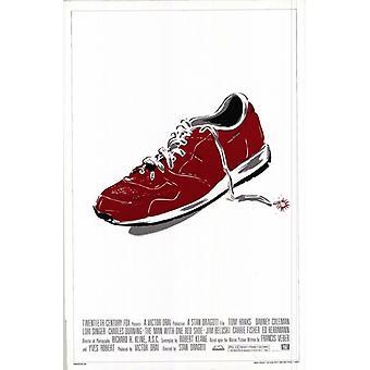 O homem com um sapato vermelho filme Poster Print (27 x 40)