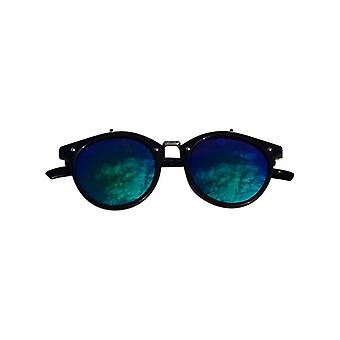 Vintage urban style sunglasses with edgy green glass